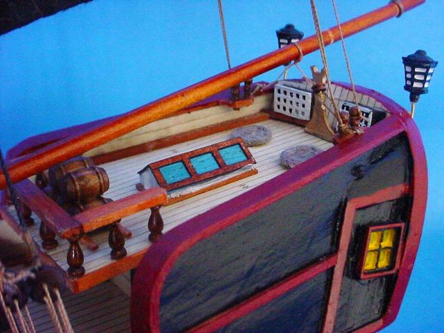 Robin's Dockside Shop - Pirate Ship